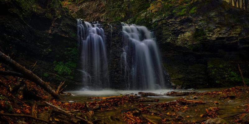 im Herbst bei den Wasserfällen